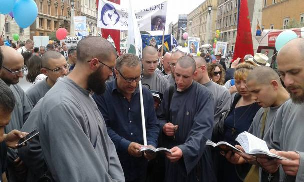 March for Life Roma 8th May 2016 Alfredo Iorio and Franciscans